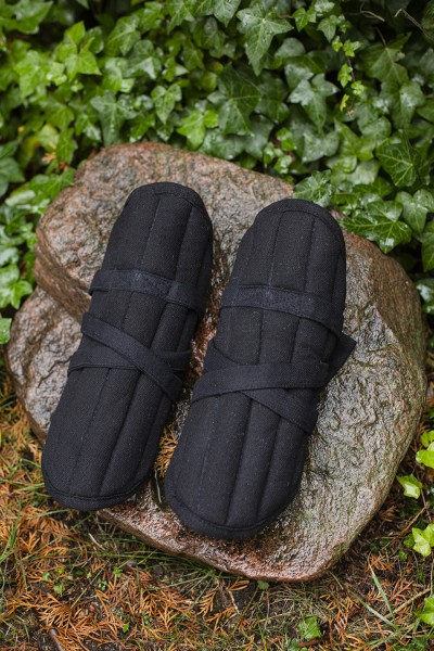 Farald padded bracers black